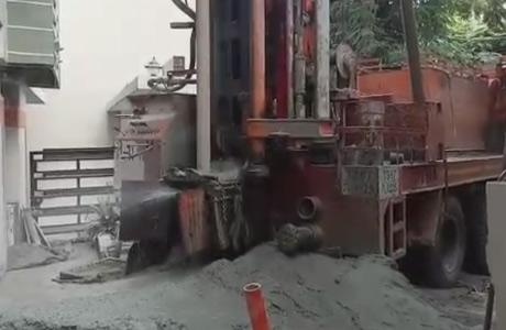 Heavy machine rigging with pressure water
